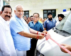 Sham provides ambulances to health institutions