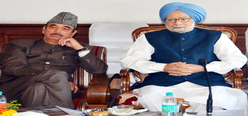 Former PM and Congress leader Dr Manmohan Singh and AICC (I) leader Ghulam Nabi Azad meeting delegations in Srinagar on Sunday.