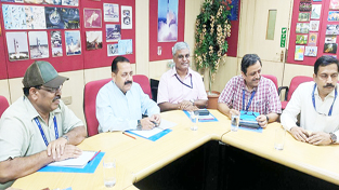 Union Minister Dr Jitendra Singh holding a review meeting of Space Application Center (SAC) at Ahmedabad. Also seen are Director SAC, Dr Tapan Misra and other senior members of scientific fraternity.
