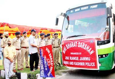 IGP Jammu flagging off Mini Bharat Darshan tour on Monday.