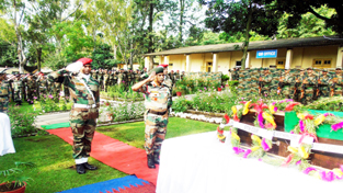 GOC 25 Div and other ranks paying floral tributes to martyred ASI, Kamaljit Singh on Saturday.
