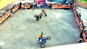 KTM organizes spectacular stunt show at Bahu Plaza