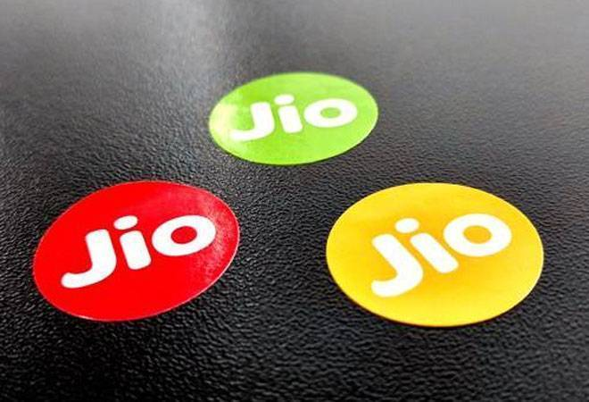 Jio offers cashback, rate lock-in on Rs 399 recharge by Oct 18
