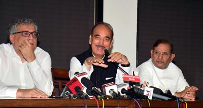 Trinamool Congress leader Derek O'Brien, Congress leader Ghulam Nabi Azad and Janata Dal rebel leader Sharad Yadav at a press conference in New Delhi on Tuesday. (UNI)