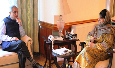Chief Minister Mehbooba Mufti in a meeting with NITI Aayog Vice Chairman Dr Rajiv Kumar at Srinagar on Saturday.