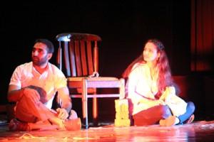 Talented Sakshi Bhat debuts with evocative play 'Ek Tuti Hui Kursi'