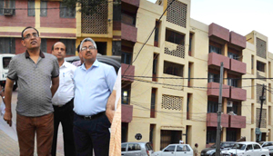 Principal Secretary to CM Rohit Kansal taking stock of arrangements for Darbar Move employees in Jammu on Sunday.