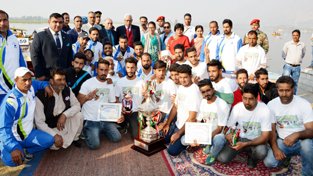 Governor N N Vohra posing with participants of Youth Mela on Saturday.