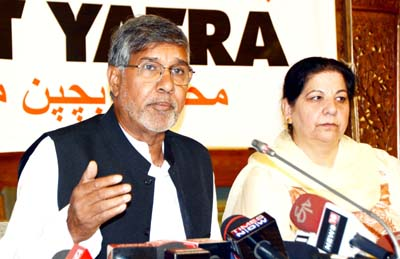Noble Peace Laureate, Kailash Satyarthi addressing a press conference at SKICC in Srinagar. -Excelsior/Shakeel