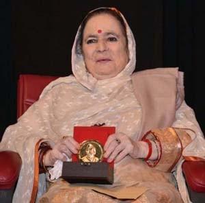 Padma Sachdev conferred with  Dinu Bhai Pant Life Time Award