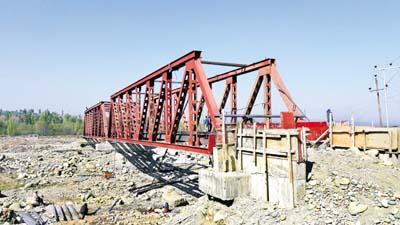 Incomplete Shopian-Batpora bridge. —Excelsior/ Younis Khaliq