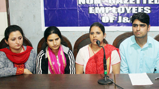 Newly recruited Non-Gazetted employees addressing press conference in Jammu. —Excelsior/ Rakesh