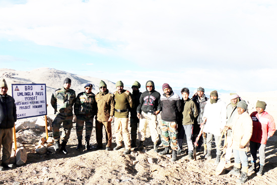 BRO personnel at World's highest motorable road in Ladakh.