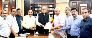 Jammu industry representatives meet Jaitley, Dr Jitendra