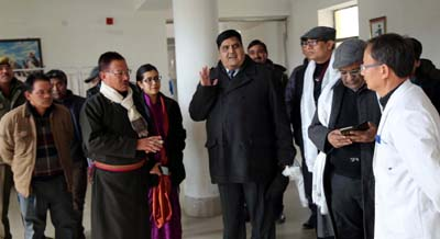Chief Secretary B B Vyas during inspection of an office in Leh.