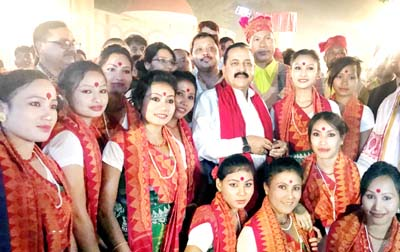 Union Minister Dr Jitendra Singh, flanked by artists from Northeast, at a glittering award ceremony at New Delhi.