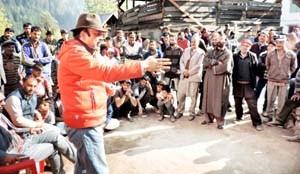 BJP-PDP Govt ruined life of poor people: Kitchloo
