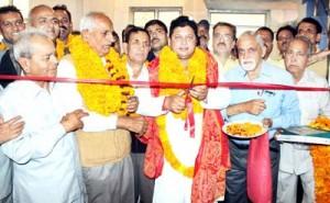 Rajesh Gupta inaugurates community hall of Sain Samaj