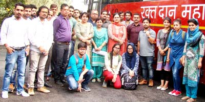 Volunteers, GCET staff and GMC team at blood donation camp.