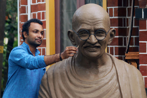 Mahatma Gandhi's statue is ready to be installed at Abu Dhabi in UAE. (UNI)