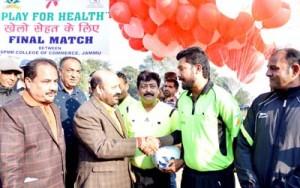 SPMR College lifts 'Khelo Sehat Ke Liye' trophy