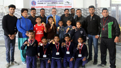 Winners posing along with the chief guest and other dignitaries during concluding function of State Sport Climbing Championship.