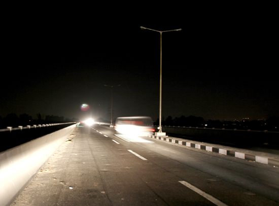Fourth Tawi bridge in Jammu without lights. —Excelsior/Rakesh