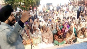 Give reservation to people  living along IB: Manjit