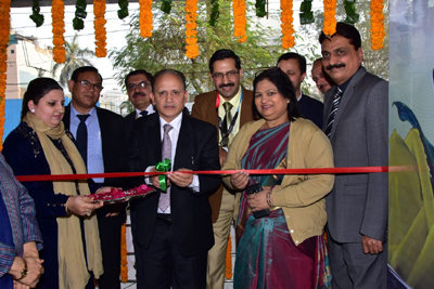 Executive President of J&K Bank, SS Sehgal inaugurating new premises of Business Unit of the Bank at Vikas Marg, New Delhi on Thursday.