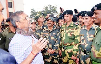 Bollywood actor, Nana Patekar sharing moments with BSF jawans at Paloura in Jammu on Tuesday.