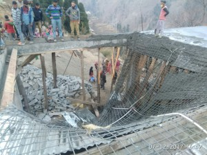 15 injured as under  construction roof collapses
