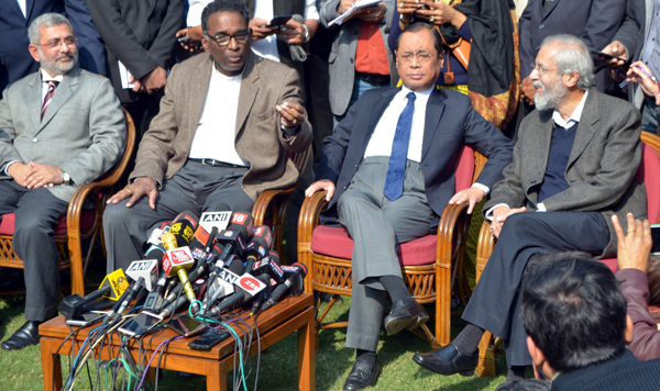Four Judges of Supreme Court of India (L -R) Justice Kurian Joseph, Justice Jesti Chelameswar, Justice Ranjan Gogoi and Justice Madan Lokur addressing a press conference in New Delhi on Friday. (UNI)