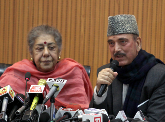 Congress leaders Ghulam Nabi Azad and Ambika Soni addressing press conference at Jammu on Thursday. -Excelsior/Rakesh