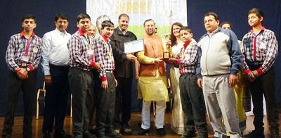 Union HRD Minister Prakash Javedekar honouring students of KV Sunjuwan at Pune.
