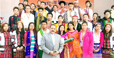 "Union Minister Dr Jitendra Singh posing for photograph with a group of students from Northeast, currently on an Inter-State tour conducted under ""SEIL"" programme of Akhil Bharatiya Vidyarthi Parishad, at Gurugram on Sunday."