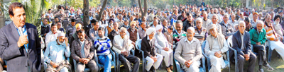Former Minister and senior Congress leader R S Chib addressing a gathering in R S Pura.