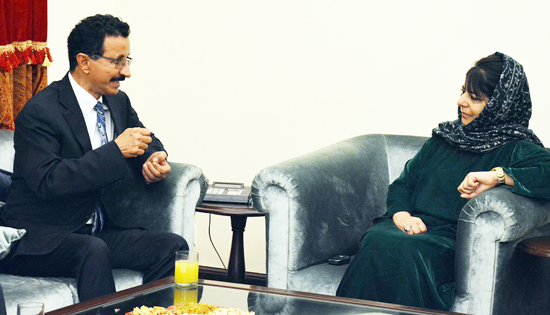 DP World Dubai Chairman Sultan Ahmed Bin Sulayem in a meeting with Chief Minister Mehbooba Mufti in Jammu on Wednesday.