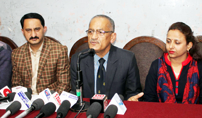 Ram Khajuria, General Secretary Mountaineering Association of J&K and other office bearers addressing media persons in Jammu. — Excelsior/Rakesh