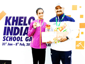 Bavleen and Paramveer after winning medals in Khelo India Games.