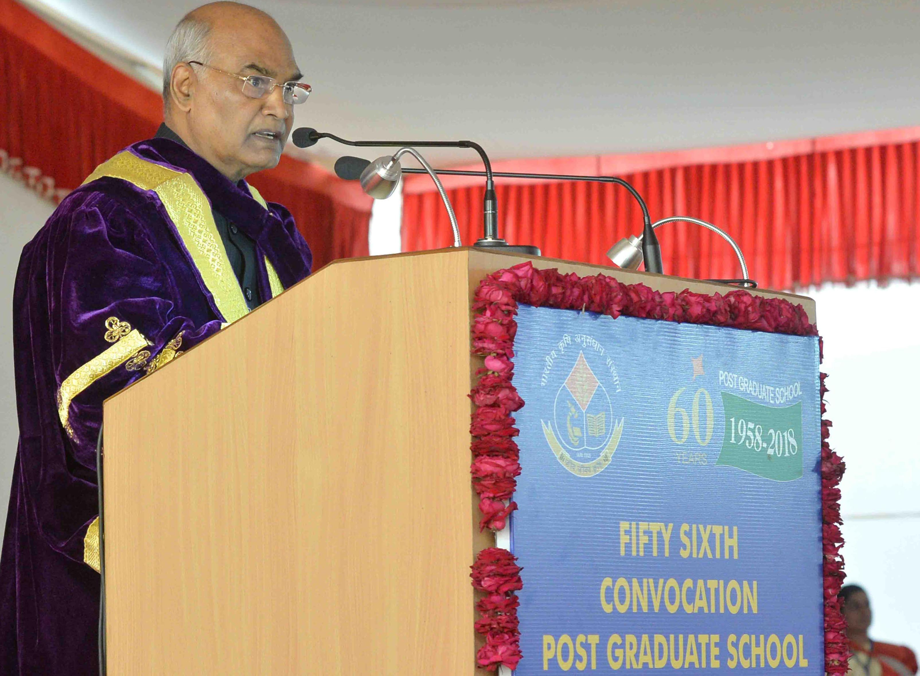 President Ram Nath Kovind addressing the 56th Convocation of Indian Agricultural Research Institute after presenting Degrees at IARI Campus, Pusa in New Delhi on Friday. (UNI)