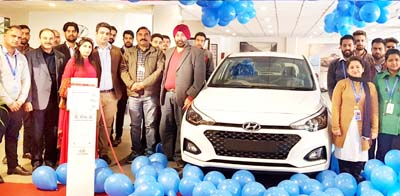 ARTO Udhampur, Kuldeep Singh and officials of Devika Hyundai during the launch of new Elite i20.