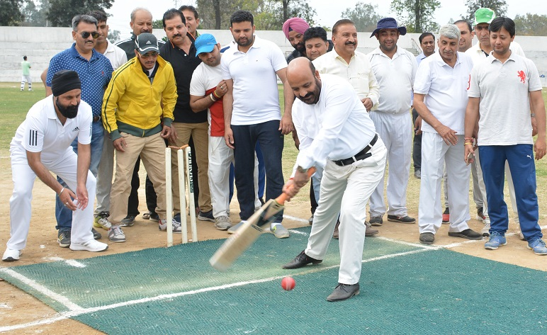 Minister for Health and Medical Education, Bali Bhagat testing cricketing skills while inaugurating Lawyers Annual Sports Meet in Jammu.
