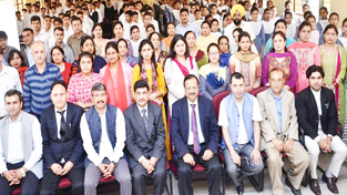 Justice Ramalingam Sudhakar posing for group photograph during inauguration of Model Legal Literacy Club at Jammu.
