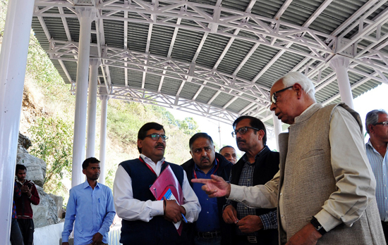 Governor N N Vohra inspecting shelter sheds on Tarakote Marg.