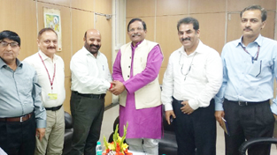 Minister for Health, Bali Bhagat meeting with Union Ayush Minister, Shripad Naik at New Delhi on Wednesday.