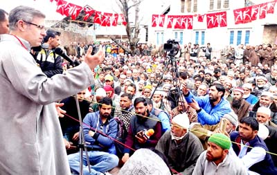 Former CM Omar Abdullah addressing workers' convention at Kulgam on Sunday.