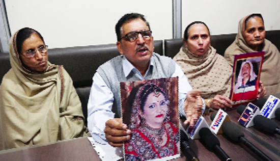 Parents of Neha Basson addressing a press conference at Jammu.