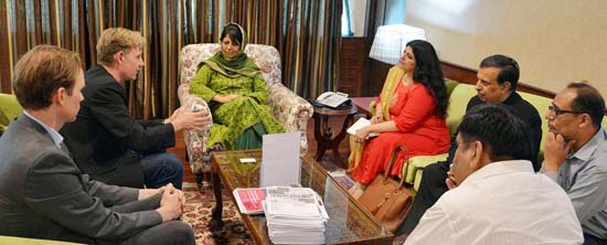 CM stresses on rational outcome of projects