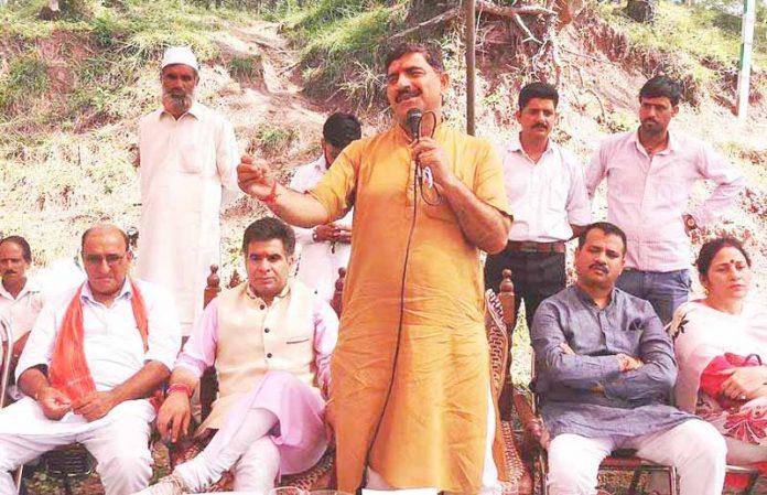 MP Jugal Kishore Sharma addressing public meeting near Sunderbani.