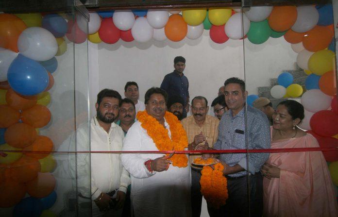 Senior Congress leader, Raman Bhalla inaugurating 'On The Rocks' restaurant at Jammu on Monday.